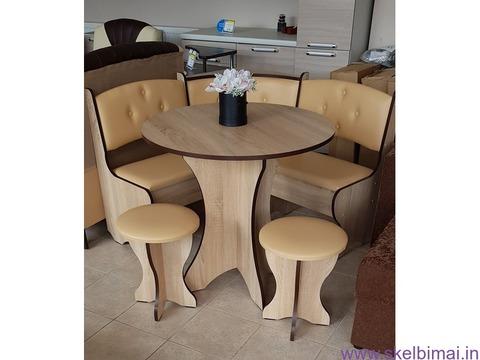 """Virtuvinis kampas """"Bojarinas"""" su stalu ir 2 taburetemis"""